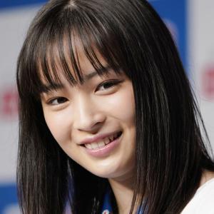 【朗報】広瀬すずさん 髪をバッサリ、実に2ケ月ぶりにインスタ投稿!!!!!