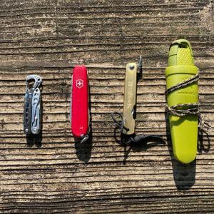 愛用のナイフ、マルチツール類