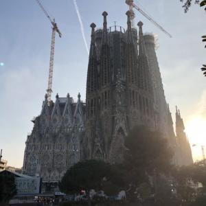 違法建築!? 世界遺産の登録は一部!? 見どころも紹介! バルセロナの人気観光スポット サグラダ・ファミリア
