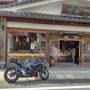 和の風景でも絵になるバイク