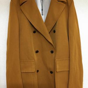 80%Offで購入した派手なボタンの付いたジャケットを簡単リメイク