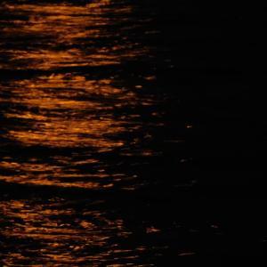 中秋の名月で満月で曇空