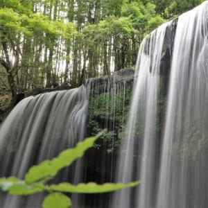 鍋ケ滝とラピュタの道 (熊本県阿蘇郡)