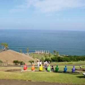 イースター島の正式許可を受けて建てられた 日本のモアイ像