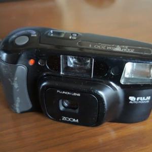 昔のカメラ見つけた 記念品の頂き物?カメラ