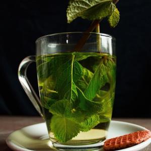 【水出し・水割り】冷たい緑茶の作り方【味濃い目】