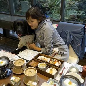 狗賓さんのレストランにて『朝食』