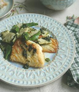 ❥真鯛と筍・スナップエンドウ(バジルソース)~スナップエンドウ(えんどう豆)~