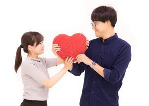 身長差・デートやLINEの頻度?理想のカップル像を徹底調査した結果、、?<br />
