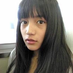 【衝撃】川口春奈、インスタに「13歳くらい」の姿公開!ファン驚愕「こんな可愛い13歳いるか!」