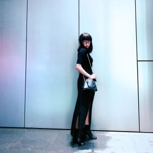 """【衝撃】浅田舞 、前髪ぱっつんの""""真っ黒""""ファッションでイメチェンした姿に「誰かわからなかった!」の声"""