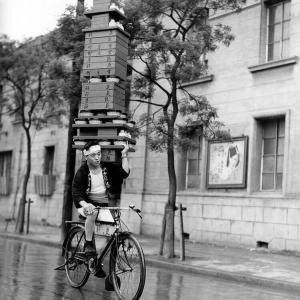 【衝撃】1935年の東京でのウーバーイーツの様子がこちらwwwwwwww