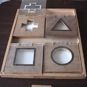 幾何図形填め板教材の紹介