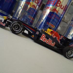 ミニカー紹介Vol.3 Red Bull Renault RB5 Sebastian Vettel