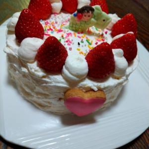 デコるだけのケーキでも、久しぶりに娘と共同制作