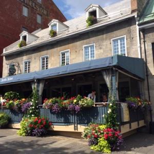 モントリオールの街角の景色をお届けします