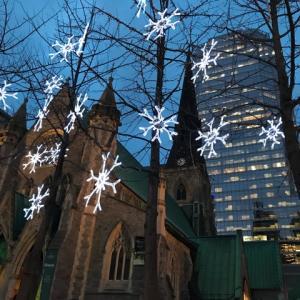 クリスマスのイルミネーションが点灯