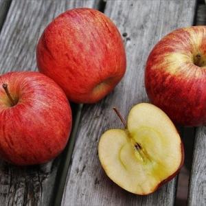 【HORNY FLAVA/RED APPLE】りんごとメンソールのバランス抜群!マンゴーより良いかも!?【リキッドレビュー】