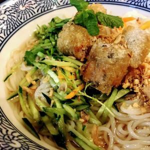 【高円寺】日本初の生米麺フォー!ベトナム屋台料理 チョップスティックス 高円寺本店