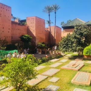マラケシュの墳墓群と庭園博物館を巡る!