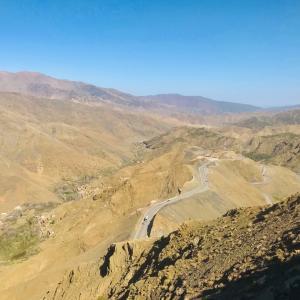 アトラス山脈を越えて砂漠地方へ!