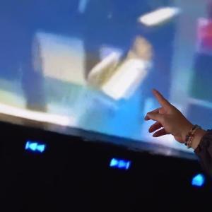 """☆光の民「ニール」が乗るUFOがテレビの画面の中に入り込んだ!UFO that the high-dimensional light presence """"Neil"""" is on board is entering into the screen of the television! …(Vol.57)"""