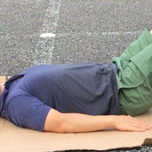 プリズナートレーニングの筋トレ!!足上げ腹筋 レッグレイズ STEP2 フラット・ニー・レイズ