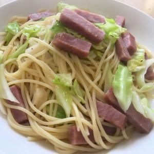春キャベツとソーセージのスパゲティ