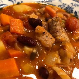 即席塩豚と豆の煮込み