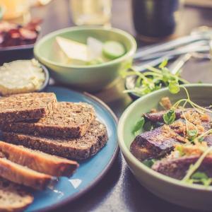 なるべくストレスなく食事量を減らす方法!満腹中枢の機能をうまく利用する