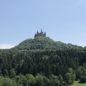 天空の城、ホーエンツォレルン城が見れる絶景スポット〜Zeller Horn/ツェラー・ホルン〜