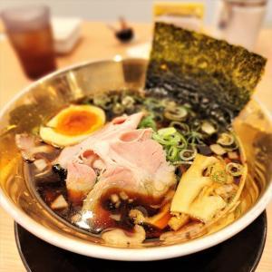 麺屋 和人 河内小阪店@大阪・東大阪【匠BLACK】ゴールドの器でリッチな気分の濃厚ブラック醤油ラーメン♪