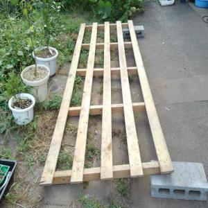 ニワトリ小屋を作る!第3弾 屋根を作る!