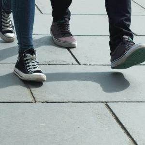 【昼休みの散歩】でダイエットや筋トレに一番効果のある歩き方|iPhoneで歩数と歩行速度を計測