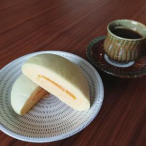 おうちカフェ『ファミマの新商品メロンパン』