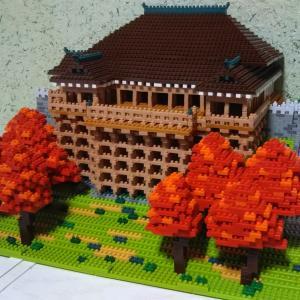 8    完成した清水寺と破壊する指先