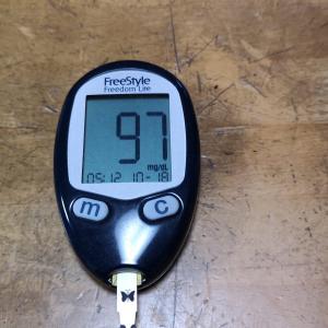 10月18日(月)今朝の血糖値と昨日の夕食