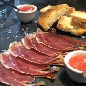 スペイン料理はパエリアだけじゃない!違いも解説