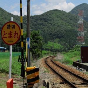 姫新線木造駅舎にて