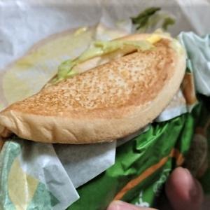某ハンバーガーショップのハンバーガーが・・・( ̄▽ ̄;)チーン