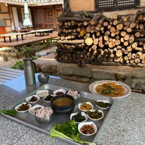 民俗村で食べる韓国田舎の朝ごはん