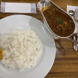 羽田空港でカレー アカシア