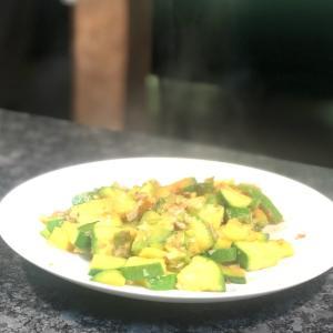 ズッキーニ(または韓国のウリ)の炒め物ー素材を生かした優しい韓国野菜料理