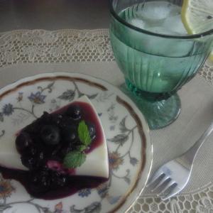 ノアの箱舟的お家のご提案&ノーレシピで適当ヨーグルトケーキ、ブルーベリーソース添え