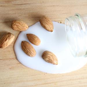 市販のアーモンドミルクは添加物だらけ!?成分の危険性や添加物なしの商品をチェック