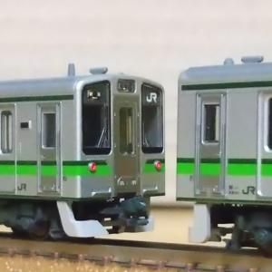KATOのE127新潟色が入線。