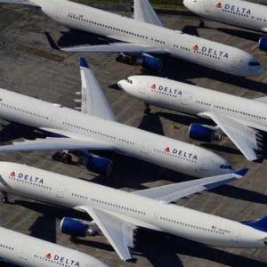航空会社は1つは倒産します。