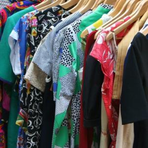 環境・資源循環に役立つリサイクルで服を手放す