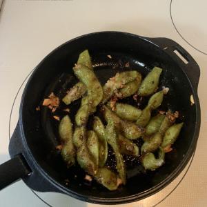 【キャンプ飯オススメレシピ】ペペロンチーノ風焼き枝豆と九州醤油味焼き枝豆作ってみた!