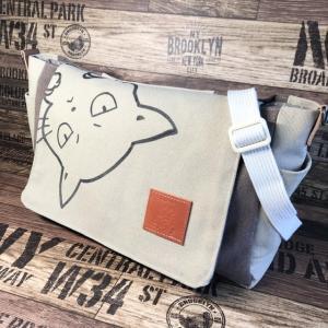 猫boxer⭐️帆布のバイカラーflapバッグ